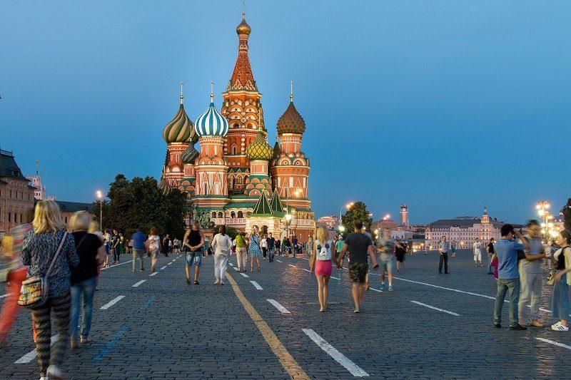 Жители российских городов